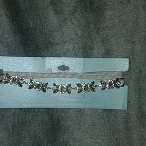 NWT bridal collection accessory
